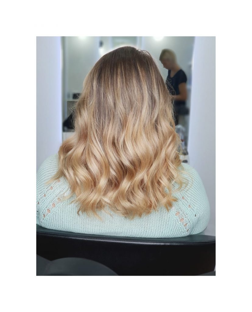 Tendinte hairstyle in iarna 2018-2019: de la blond pana la culoarea corbului