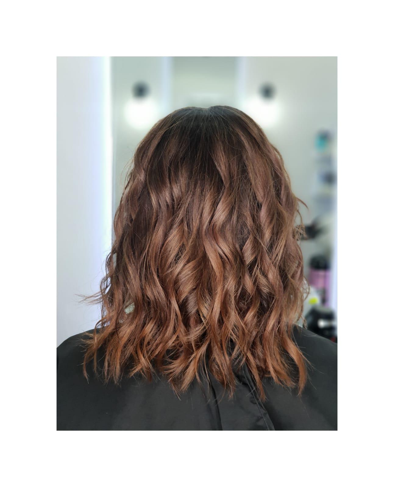 Tendinte Hairstyle In Iarna 2018 2019 De La Blond Pana La Culoarea
